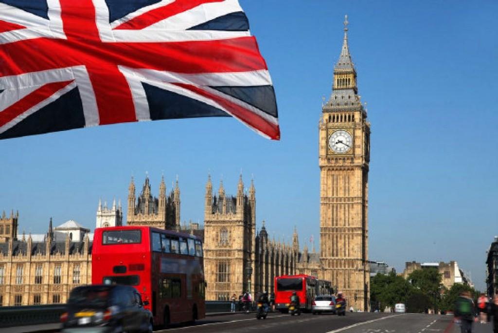 londyn akciove letenky